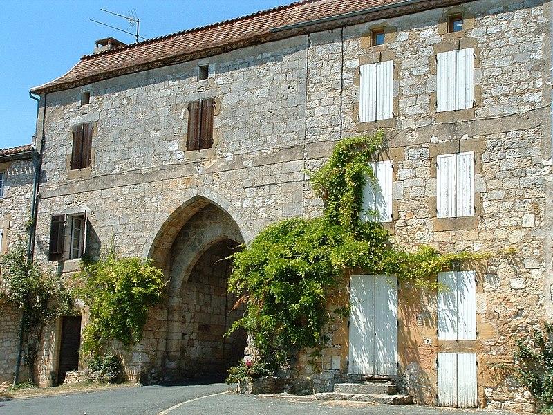 Photo du Monument Historique Porte de ville fortifiée situé à Monpazier