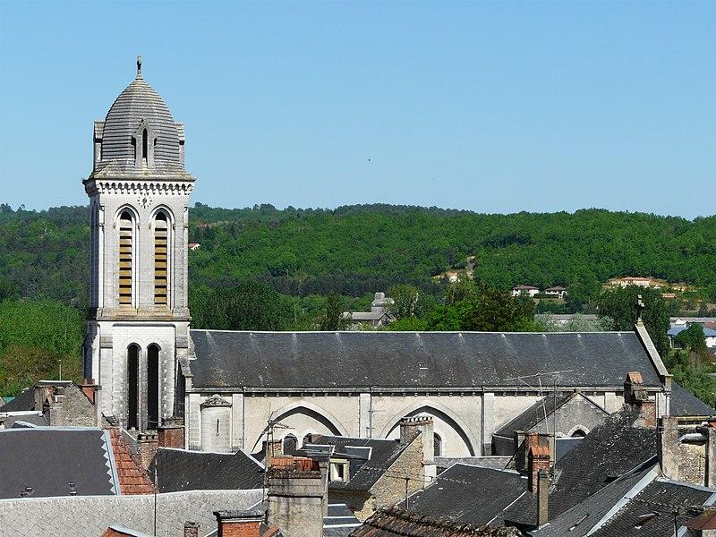 Photo du Monument Historique Eglise Saint-Pierre-ès-Liens situé à Montignac