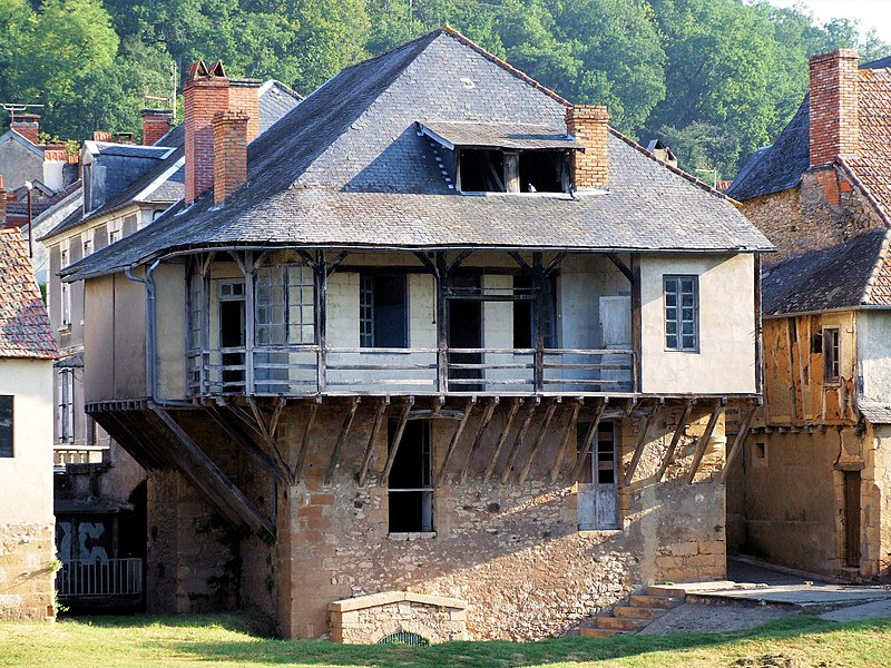 Photo du Monument Historique Maison à galerie situé à Montignac