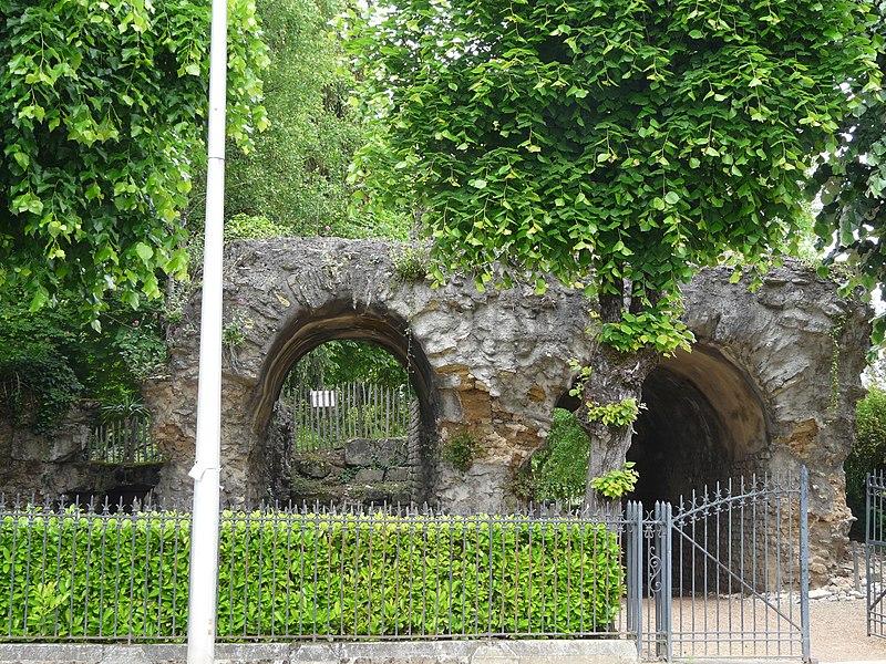 Photo du Monument Historique Amphithéâtre situé à Périgueux