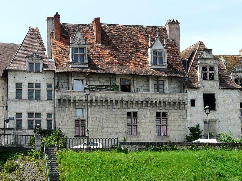 Photo du Monument Historique Maison des Consuls situé à Périgueux