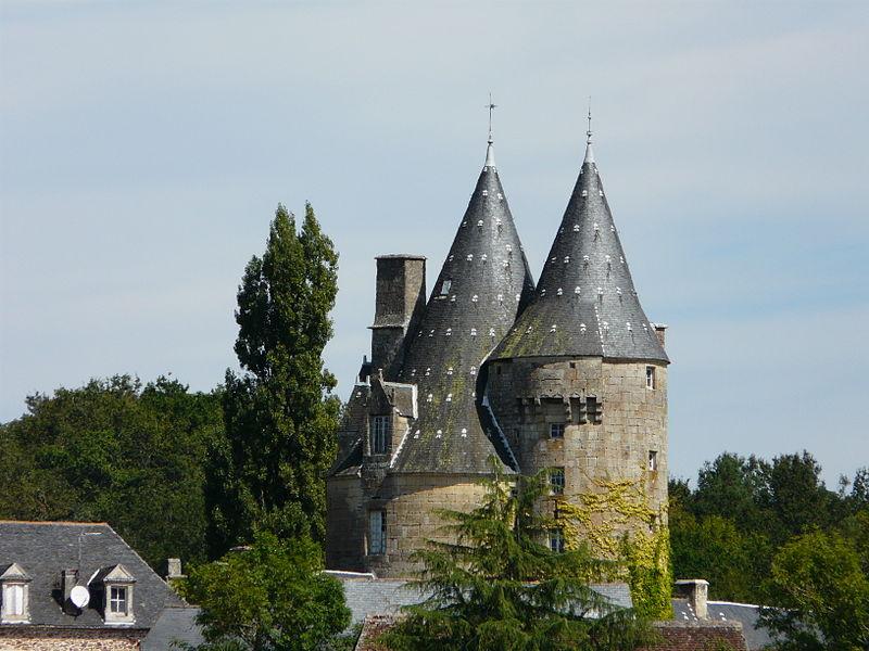 Photo du Monument Historique Château de la Chapoulie situé à Peyrignac