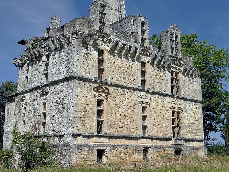 Photo du Monument Historique Château de Fages situé à Saint-Cyprien