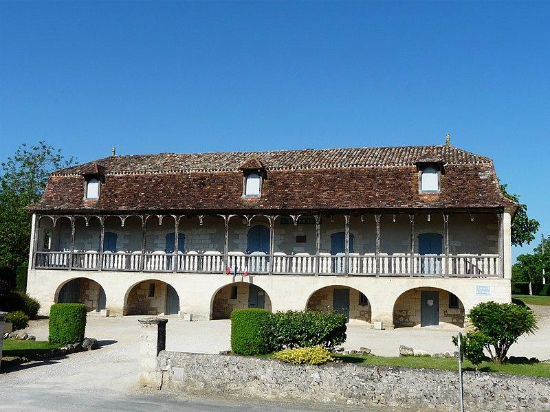 Photo du Monument Historique Ancien presbytère situé à Saint-Front-de-Pradoux