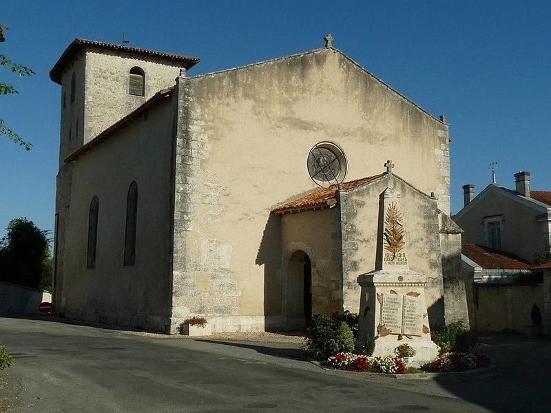 Photo du Monument Historique Eglise Saint-Pierre et Saint-Paul situé à Saint-Paul-Lizonne