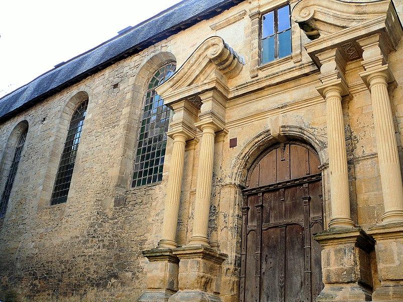 Photo du Monument Historique Ancienne Chapelle des Récollets ou des Pénitents et son cloître situé à Sarlat-la-Canéda