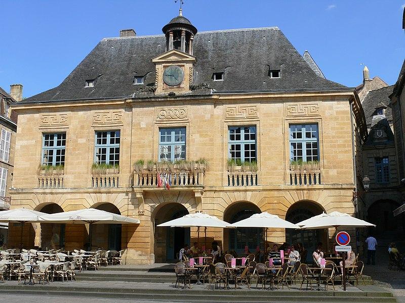 Photo du Monument Historique Hôtel de ville situé à Sarlat-la-Canéda