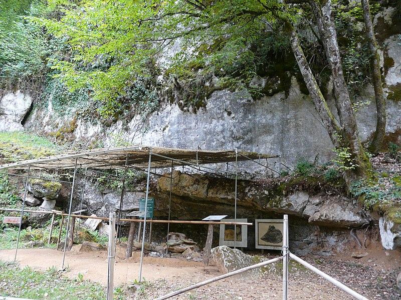 Photo du Monument Historique Abri Labattut situé à Sergeac
