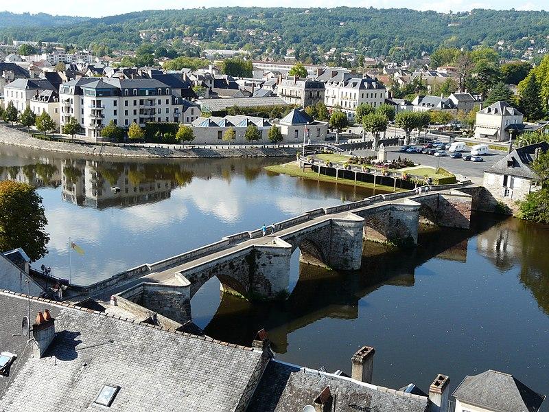 Photo du Monument Historique Ancien Pont situé à Terrasson-Lavilledieu