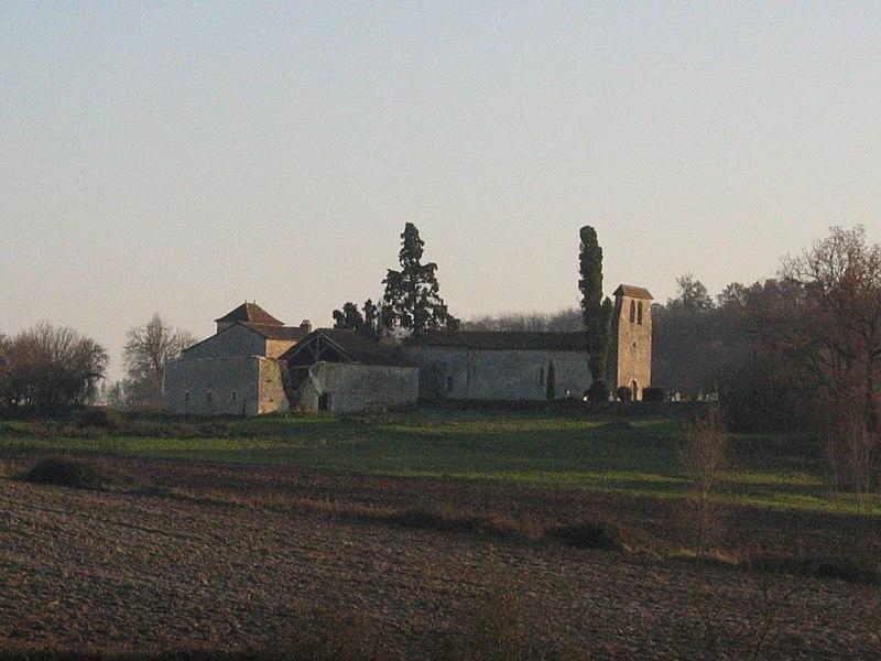 Photo du Monument Historique Prieuré de Monbos situé à Thénac