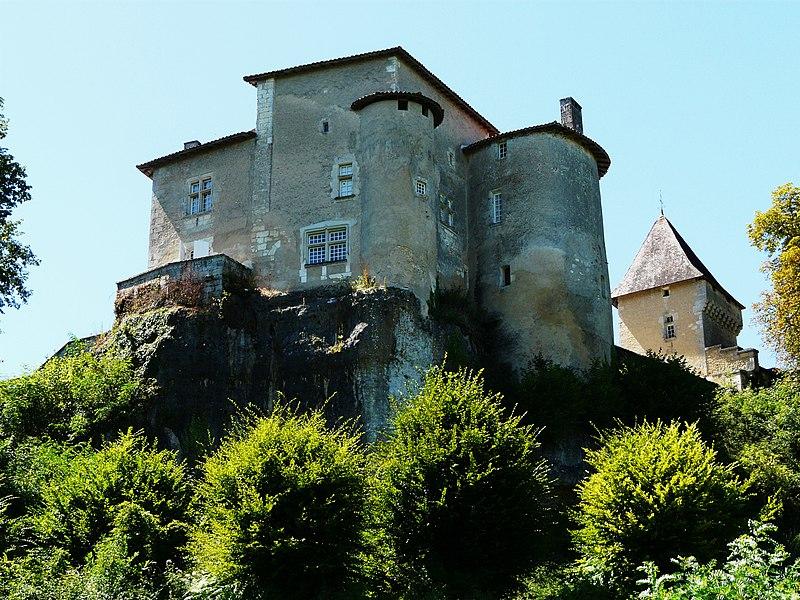Photo du Monument Historique Château de Ramefort situé à Valeuil