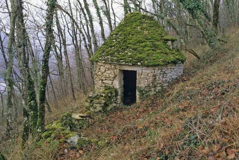 Photo du Monument Historique Cabane en pierre sèche n° 30 situé à Badefols-sur-Dordogne