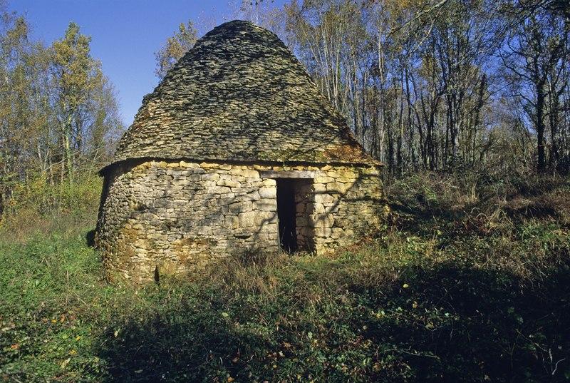 Photo du Monument Historique Cabane en pierre sèche de Pechmémie situé à Les Eyzies-de-Tayac-Sireuil