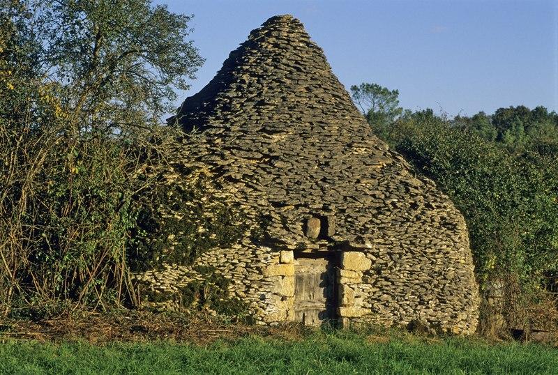 Photo du Monument Historique Cabane en pierre sèche de Malevergne situé à Saint-Vincent-le-Paluel