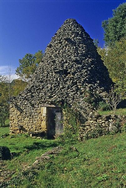Photo du Monument Historique Cabane en pierre sèche des Mazers Hauts situé à Vitrac