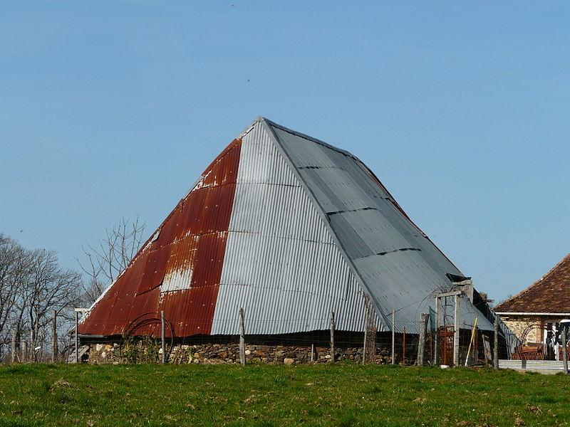 Photo du Monument Historique Grange ovale du Peyrat situé à Payzac