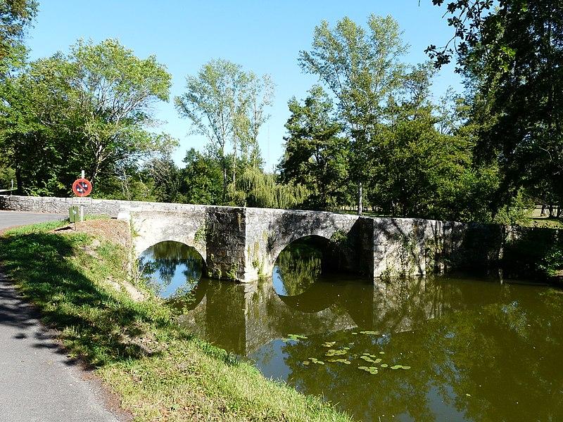 Photo du Monument Historique Pont médiéval du Bretou situé à Eymet