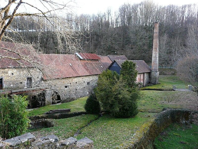 Photo du Monument Historique Ancienne papeterie de Vaux situé à Payzac