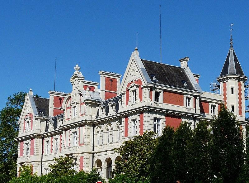 Photo du Monument Historique Château Magne situé à Trélissac