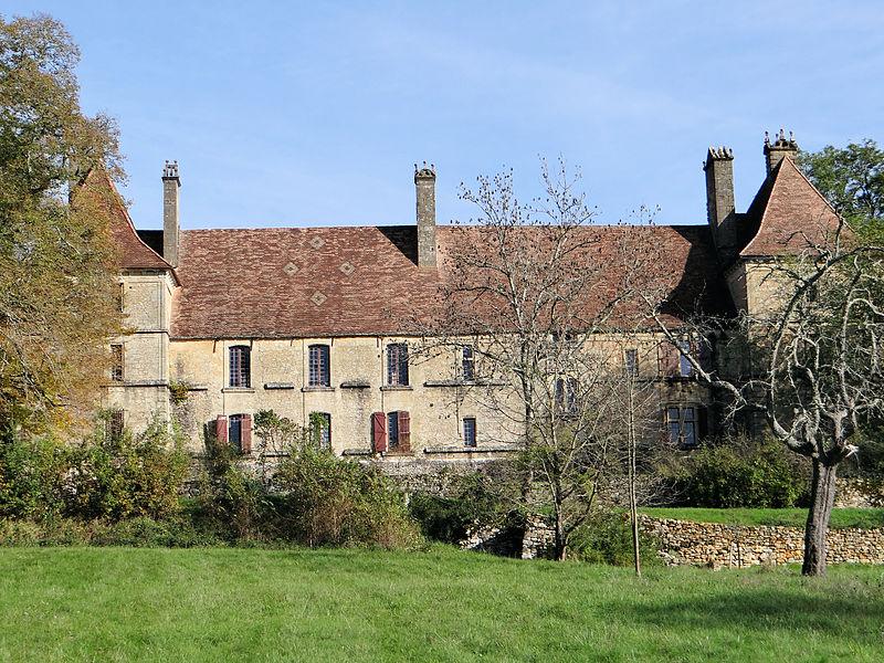 Photo du Monument Historique Château de Besse situé à Besse