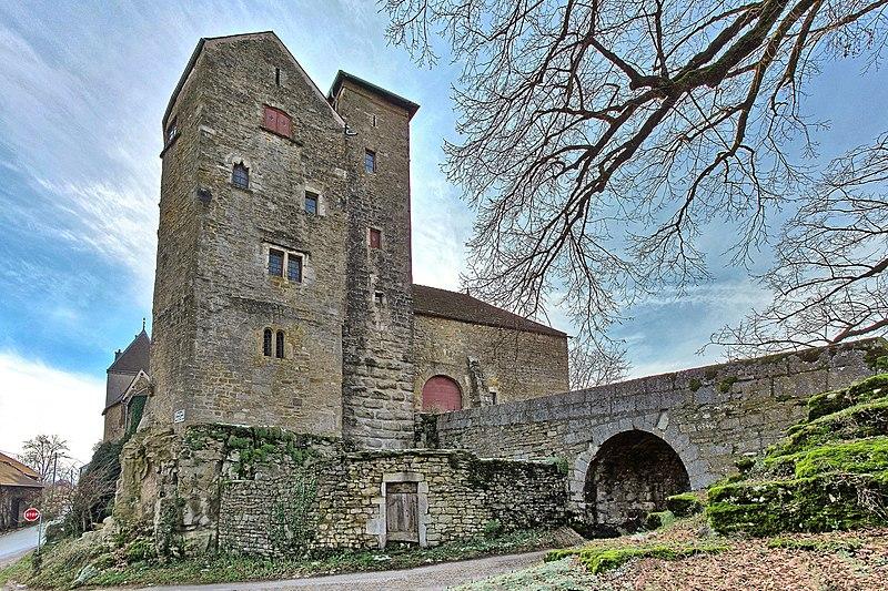 Photo du Monument Historique Château de Jouffroy-d'Abbans situé à Abbans-Dessus