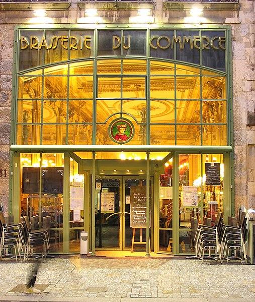 Photo du Monument Historique Café du Commerce situé à Besançon