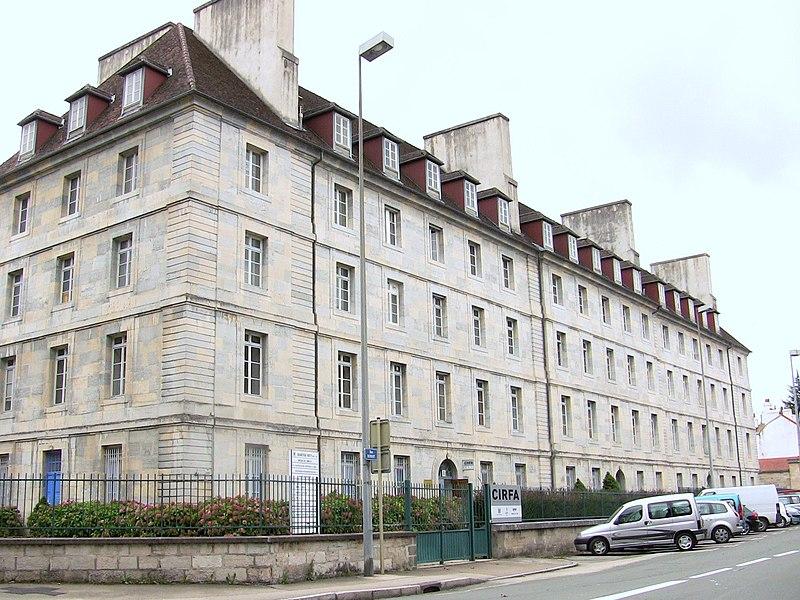 Photo du Monument Historique Caserne Ruty situé à Besançon