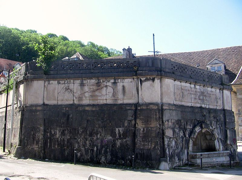 Photo du Monument Historique Château d'eau de la Source d'Arcier situé à Besançon