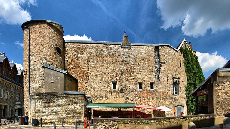 Photo du Monument Historique Hôtel du Bouteiller, puis de Montureux situé à Besançon