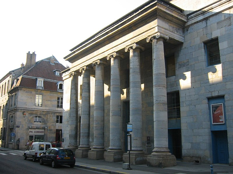 Photo du Monument Historique Théatre municipal situé à Besançon