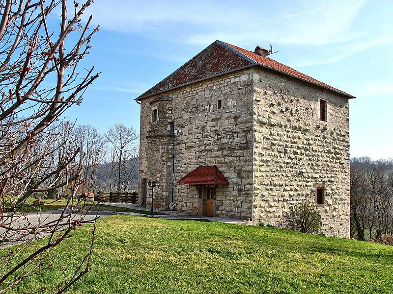 Photo du Monument Historique Donjon situé à Côtebrune