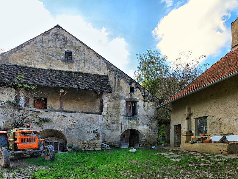 Photo du Monument Historique Maison vigneronne situé à Cuse-et-Adrisans
