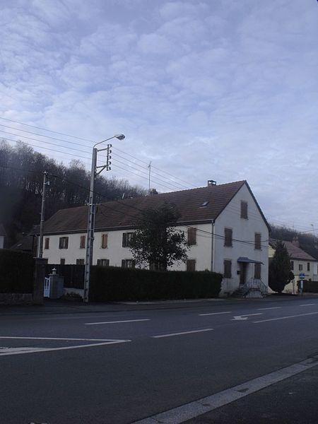 Photo du Monument Historique Bâtiment d'habitation ouvrière dit La Bastille situé à Hérimoncourt
