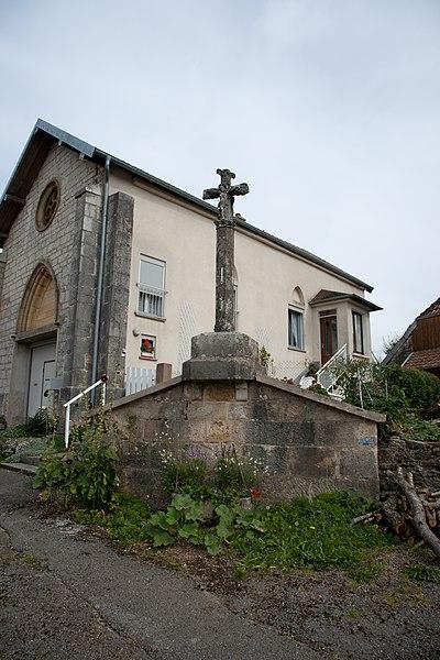 Photo du Monument Historique Croix en pierre situé à Lavans-Vuillafans