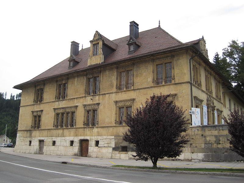 Photo du Monument Historique Maison Cuche dite Château Pertusier, actuellement musée de l'Horlogerie du Haut-Doubs situé à Morteau