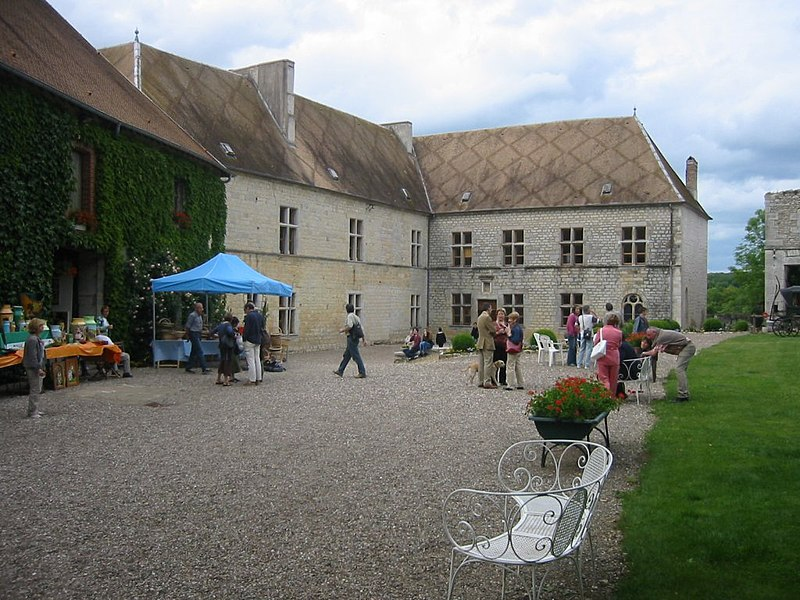 Photo du Monument Historique Château de la Roche situé à Rigney
