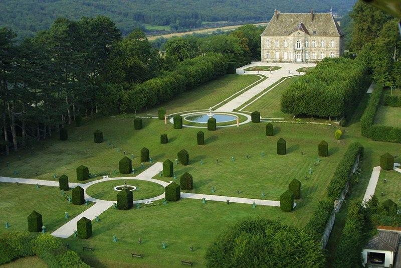 Photo du Monument Historique Château de Vaire-le-Grand situé à Vaire-Arcier