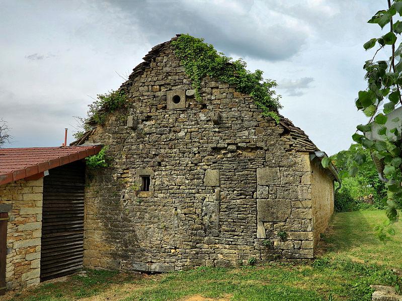 Photo du Monument Historique Maison voûtée sur cellier situé à Champagney