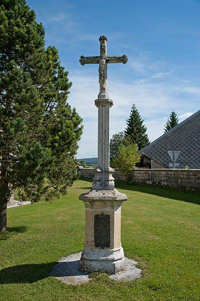 Photo du Monument Historique Croix de cimetière situé à Bouverans
