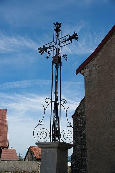 Photo du Monument Historique Croix de chemin situé à Dommartin