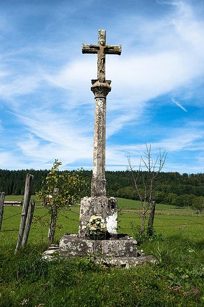 Photo du Monument Historique Croix de chemin situé à Houtaud
