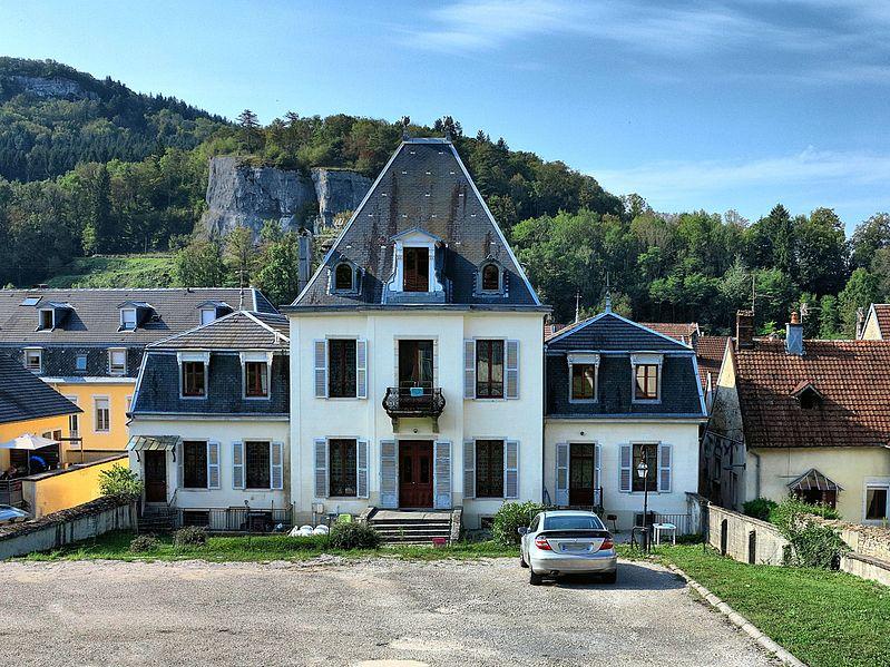 Photo du Monument Historique Distillerie Cusenier situé à Ornans