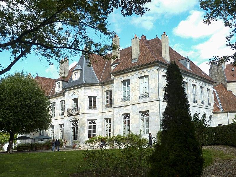 Photo du Monument Historique Hôtel de Clévans situé à Besançon
