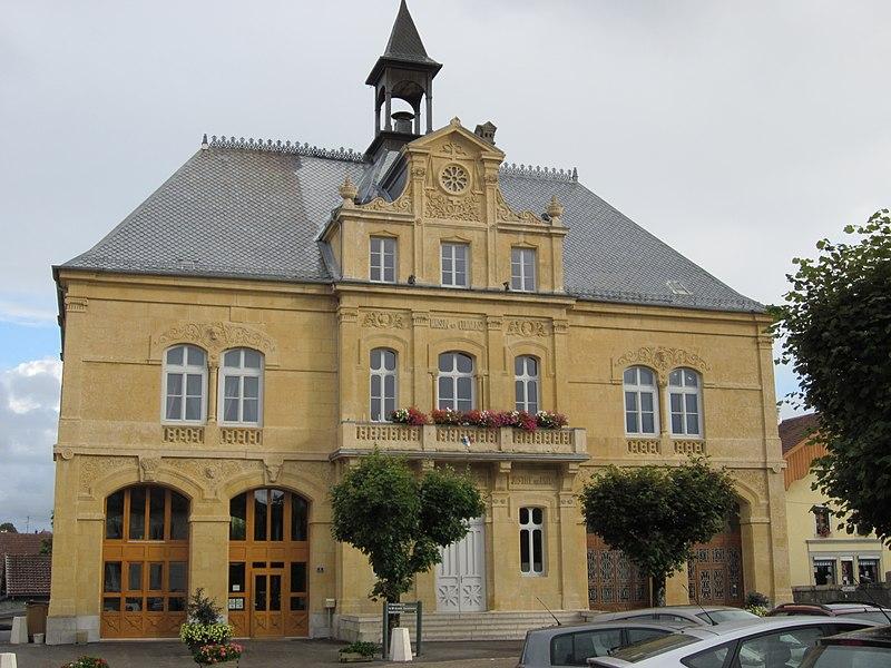Photo du Monument Historique Hôtel de ville situé à Russey (Le)