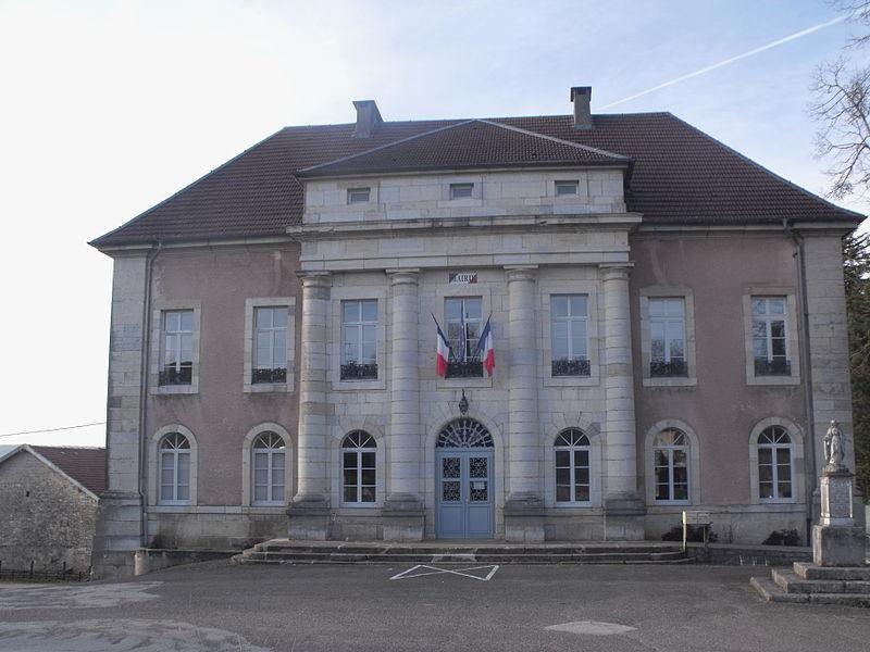 Photo du Monument Historique Mairie-école situé à Bouclans