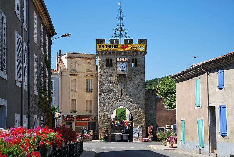 Photo du Monument Historique Porte fortifiée situé à Beaumont-lès-Valence