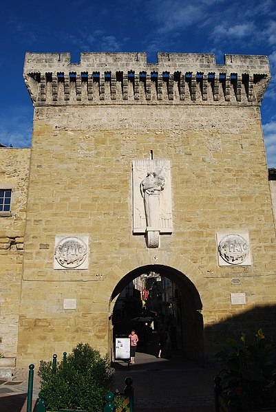 Photo du Monument Historique Porte de ville situé à Chabeuil