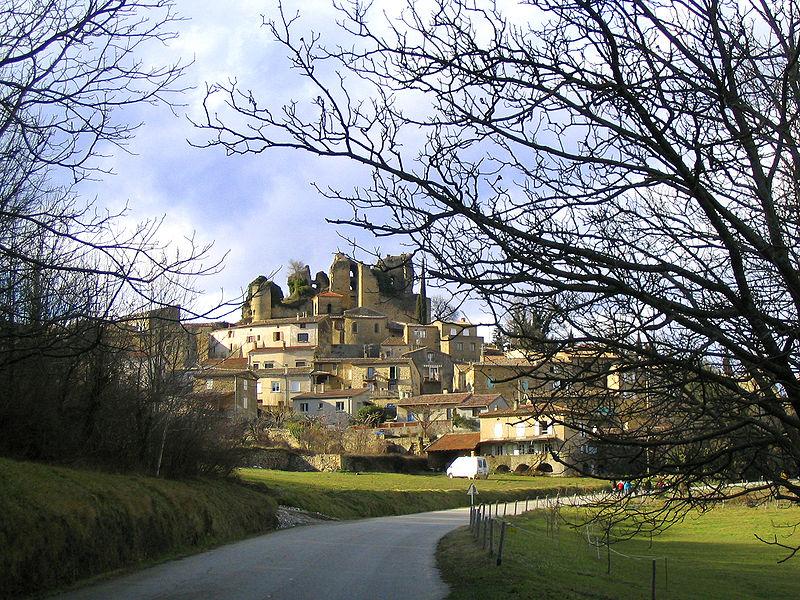 Photo du Monument Historique Château (restes) situé à Chabrillan
