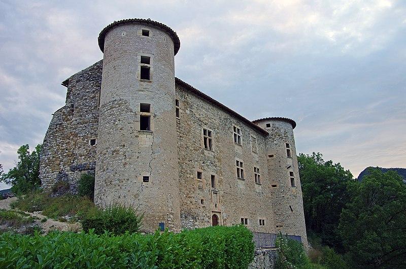 Photo du Monument Historique Château (restes) situé à La Charce
