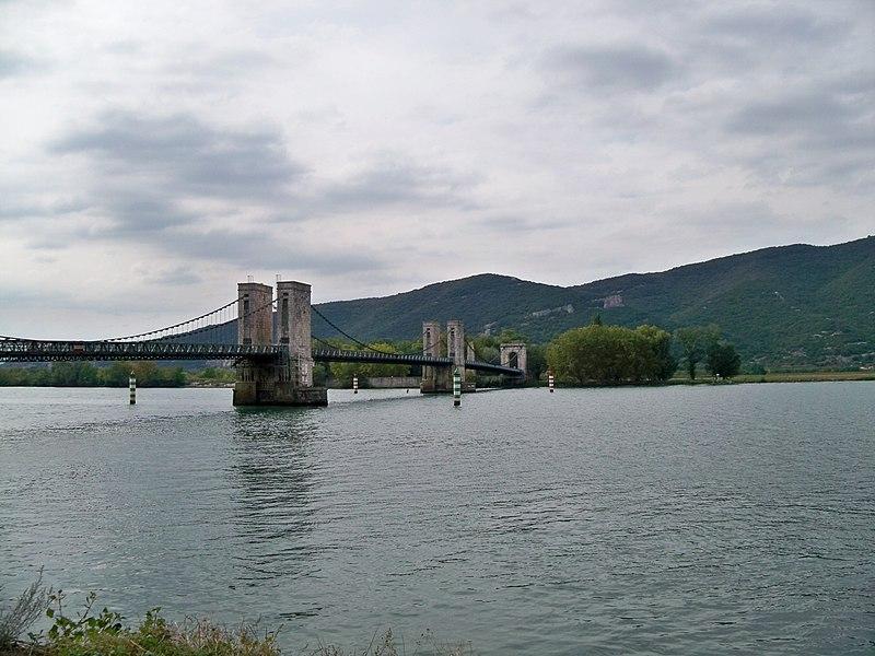 Photo du Monument Historique Pont dit du Robinet sur le Rhône situé à Donzère